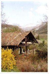 Séchoir à Morette, au pied des sept collines